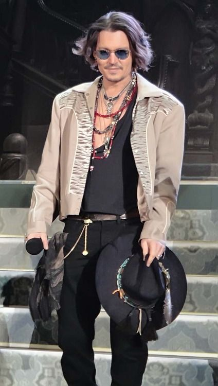 What can one say about Johnny Depp except that he is lovely. Just don't tell my hubby I said this......lol.