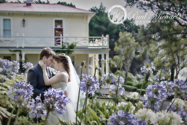 Bride and groom at Gear homestead wedding venue.  #wedding #photography. PaulMichaels www.paulmichaels.co.nz photographers