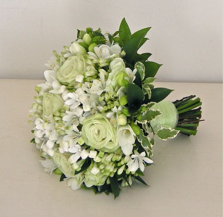 White Wedding Flowers Bridesmaid Bouquet | Rose,freesia, bouvardia and agapanthus bouquet in pale green and white