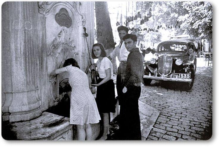 Emirgan Çınaraltı Çeşmesi. 1950′ler#istanbul #eskifotoğraflar #siyahbeyaz #istanlook