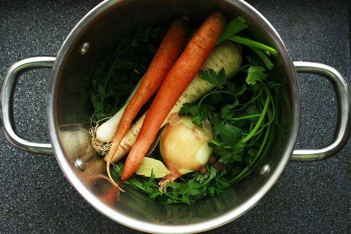 Jak na domácí zeleninový vývar