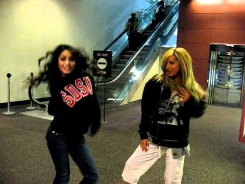 That time Vanessa Hudgens and I sang Gwen Stefani's #WindItUp at the airport! #TBT