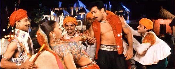 "Salman Khan and Aishwarya Rai in ""Doli Taro Dhol Baje"" from *Hum Dil De Chuke Sanam* (1999) | Filming India - A Rhythm Remix: Giving New Life to an Old Navratri Song and Dance"