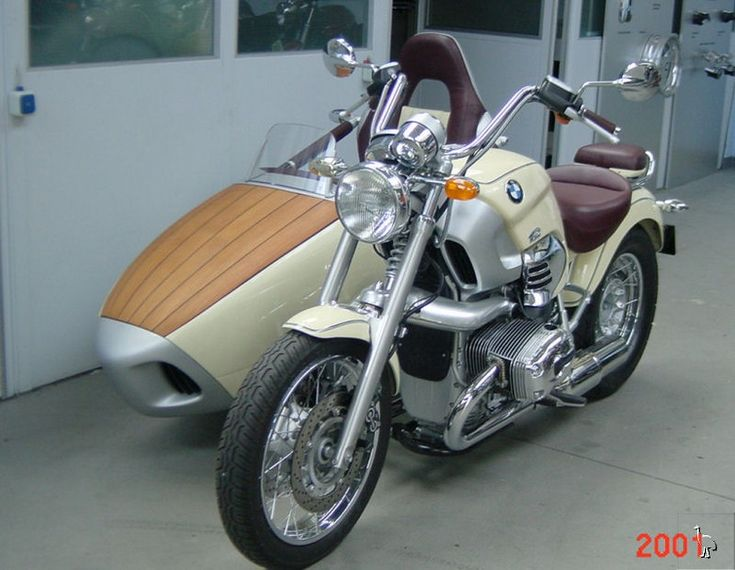 BMW_R1200C_with_Sidecar.jpg