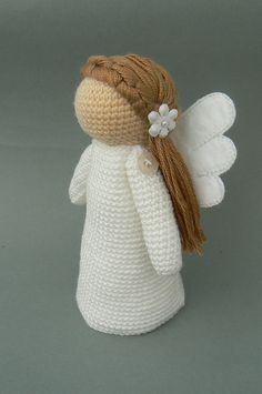 Love this! It looks like a stuffed version of Willow Tree stuff. So cool for a nursery! Ravelry: Little Angel Amalka pattern by Katka Reznickova