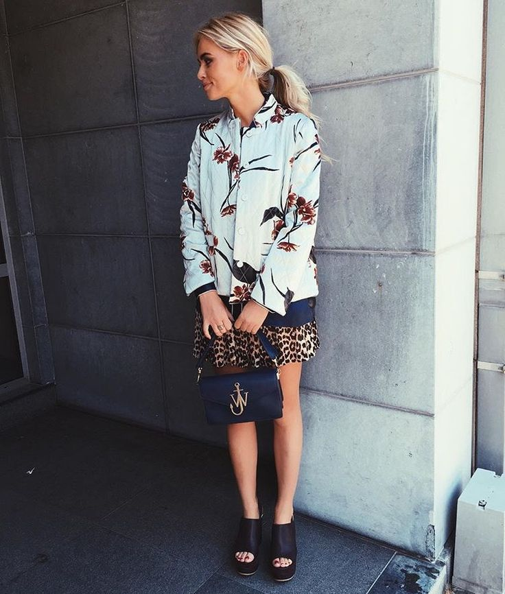Claartje Rose, Dutch blogger, flower bomber, leopard skirt, jack wills bag, black heels