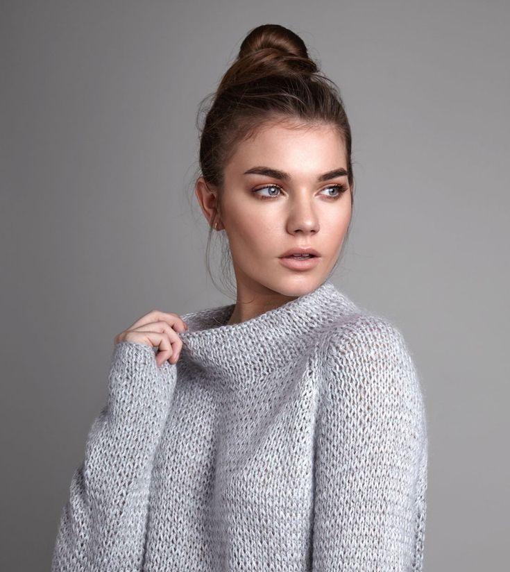 Модный свитер женский из книги 2018 года Calm
