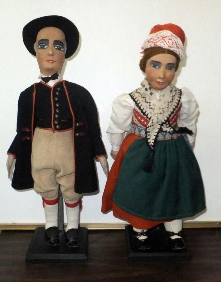 AUTHENTIC MUSEUM ANTIQUE SWEDEN COSTUME FIGURES (FLODA IN DALARNA)RARE PIECE