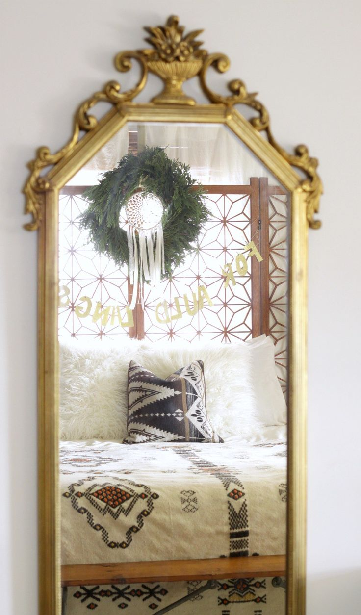 Modern Mirrors For Bedroom 1000 Ideas About Modern Vintage Bedrooms On Pinterest Spare