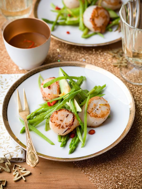 Salade van groene asperges en sint-jakobsnootjes met citrus-chilidressing http://www.sparretail.be/nl/recipes/salade-van-groene-asperges-en-sint-jakobsnootjes-met-citrus-chilidressing