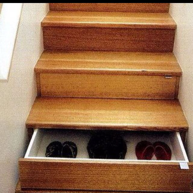 Staircase secret compartment