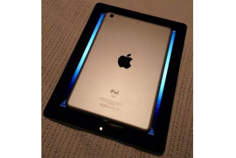 Here it is, the first glimpse! The iPad Mini ... or could it be IPad Nano