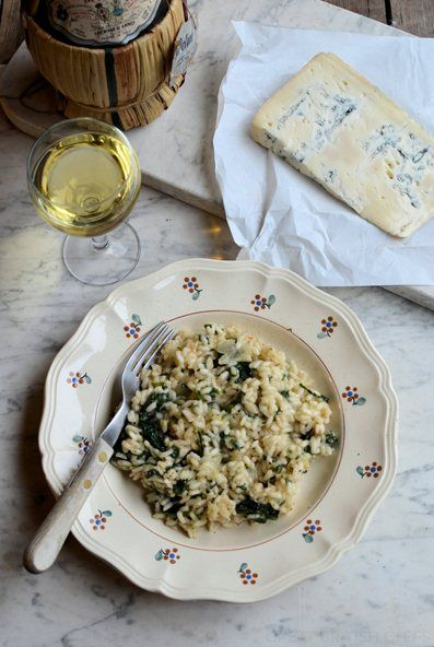 Gorgonzola and Spinach Risotto. A creamy rice dish with iron rich spinach, piquant Gorgonzola, garlic and white wine.