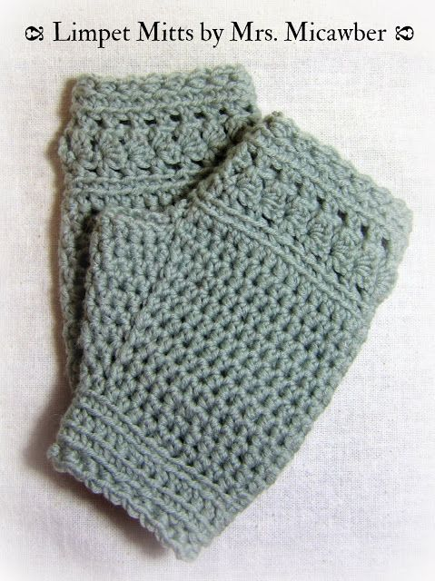 Mr. Micawber's Recipe for Happiness: Limpet Mitts Free #crochet Patter
