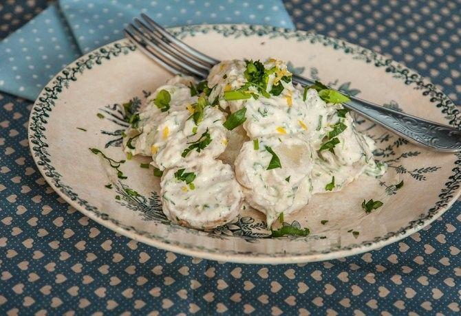 Tormás-citromos krumplisaláta recept képpel. Hozzávalók és az elkészítés részletes leírása. A tormás-citromos krumplisaláta elkészítési ideje: 35 perc