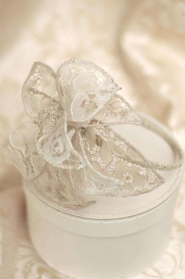 wedding headpiece from www.parantparant.se