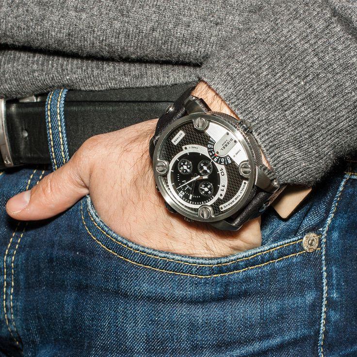 Diesel mens black dial leather analog Chronograph quartz watches DZ7256 #Diesel #Watches #menswear #Analog #Quartz #wristwatch