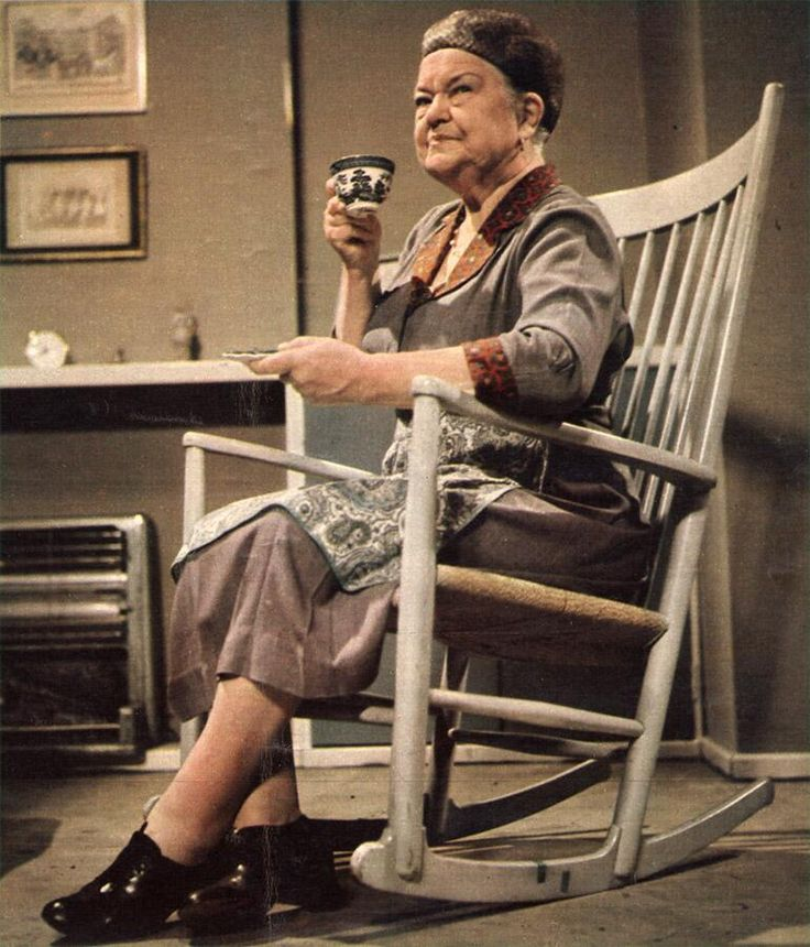 Ena Sharples (played by Violet Carson) in Coronation Street, 1970