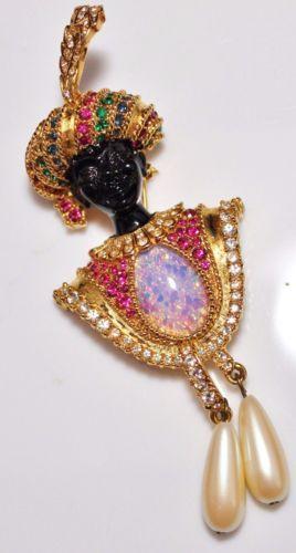 Vintage-SPHINX-Jeweled-Blackamoor-Art-Glass-Faux-Pearl-Figural-Brooch-Couture