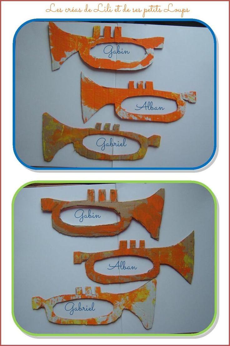 * Les trompettes! More