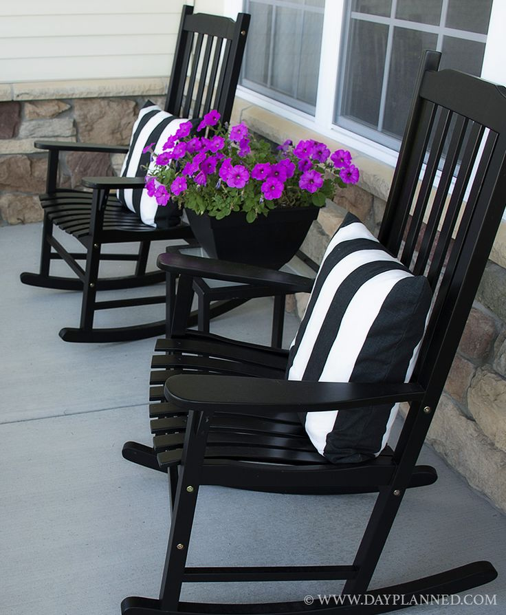 Best 25 front porch seating ideas on pinterest front for Chairs for front porch