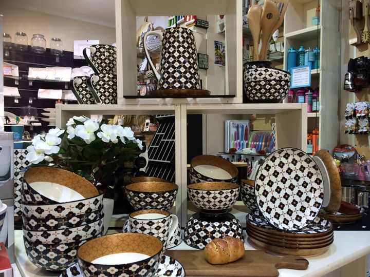 NEW Christopher Vine Marigold range.  Fantastic range in black/white and rose gold.  Includes Large and small Tapas plates, Mugs, Small and Large Bowls and Jug.  www.decorbydesign.com.au #christopher vine  #marigold