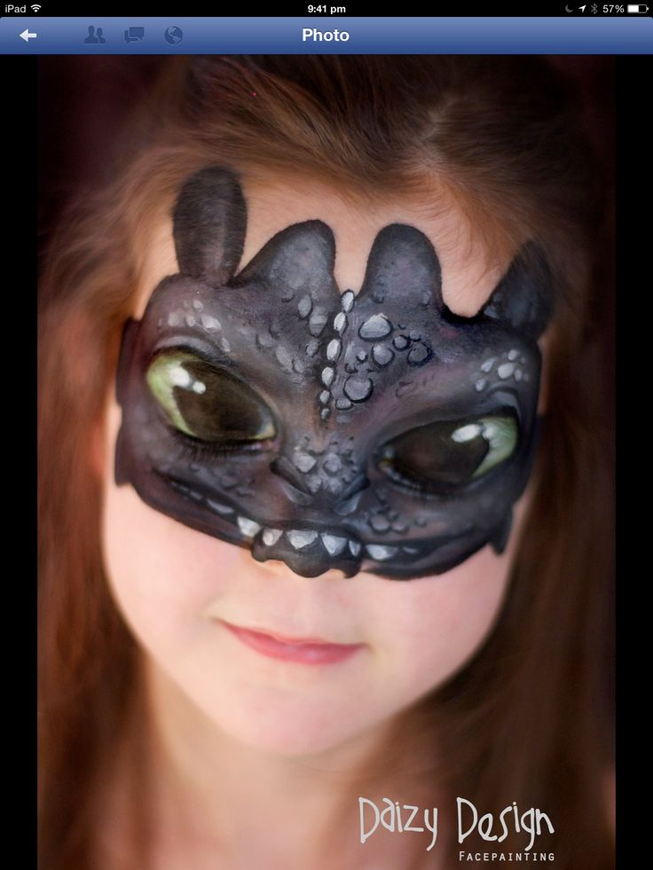 """Toothless"" How to train your dragon face painting by Daizy Design  Soooooo great!"