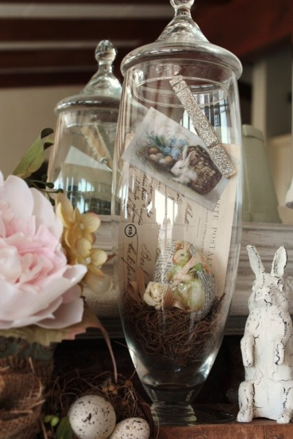 i have these type of  jars, great ideas to put old postcards and memorialbilia  in