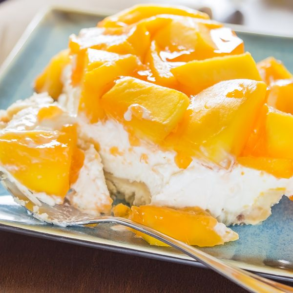 A fresh and delicious mango dessert recipe made on a macademia nut crust.. Hawaiian Mango Jello Cheesecake Recipe from Grandmothers Kitchen.