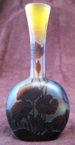 GALLE Emile vase soliflore verre multicouche gravé à l'acide décor anémone du japon 14 cms 1