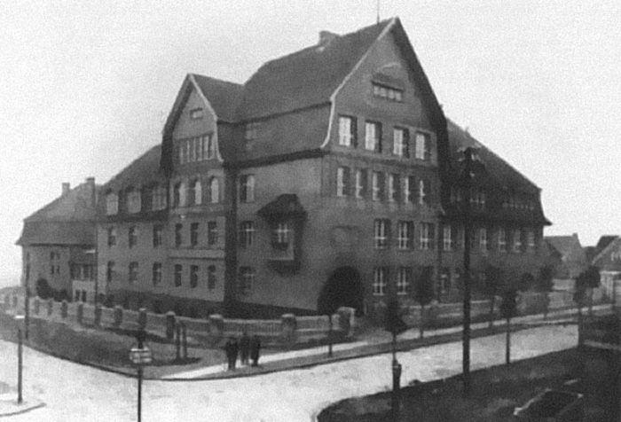 Scheffnerschuhle_in_Königsberg.jpg (700×476)