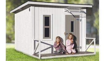 Lekstuga Estelle 5,1 + 1,3 N Estelle är en i tiden funkisinspirerad lekstuga med stående panel och enkel altan. Lekstugan är även utrustad med ett öppningsbart fönster i plexiglas för maximal barnsäkerhet. Till lekstugan ingår ett modernt entrétak.