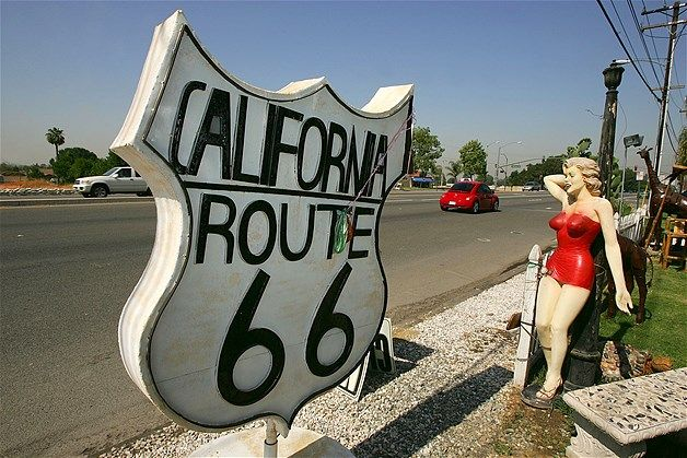 Image: Marilyn Monroe statue on Route 66 in Rancho Cucamonga, California (© David McNew/Getty Images)