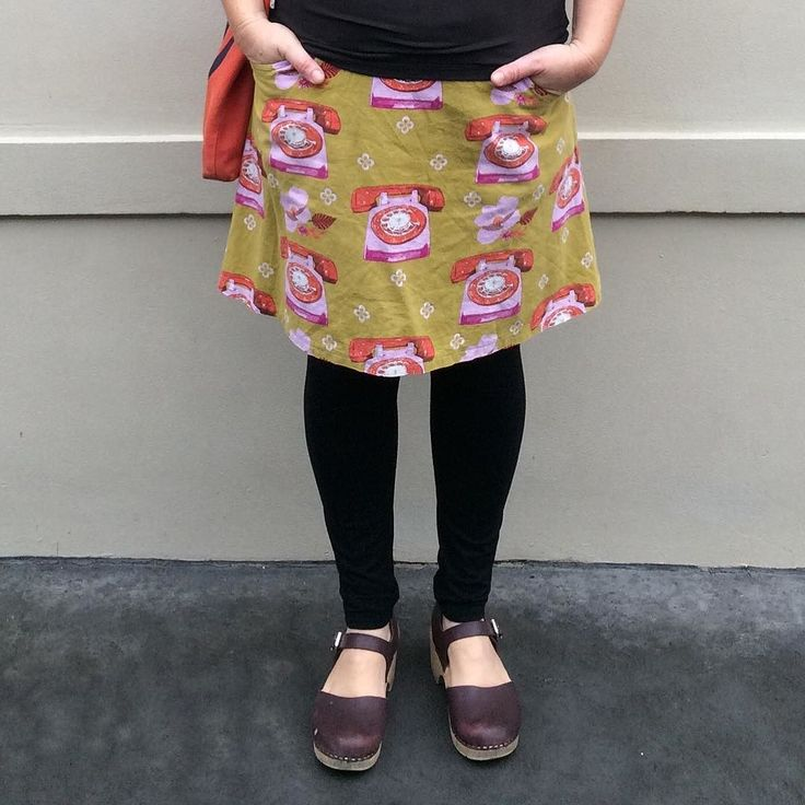 Virginia leggings by justmejaysews // Day 9. MIP A skirt in Melody Miller Ruby Star Sparkle and Megan Nielsen Virginia leggings #virginialeggings #megannielsenpatterns #makeitperfect #askirt