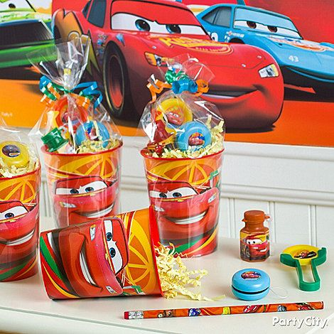 Make easy-peasy favor cups full of high-octane fun with reusable plastic party cups! Click the pic for more Cars party ideas. Ka-chow!