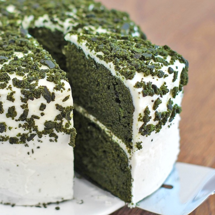 Green Velvet Cake - like red velvet, only green (and guilt free!)