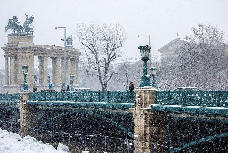 Budapest winter, facebook Kardos Ildiko Photography