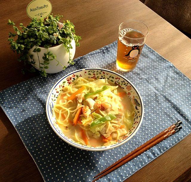 生姜がきいてて美味しいよ。 (^-^) - 22件のもぐもぐ - ちゃんぽん麺、黒烏龍茶 by pentarou