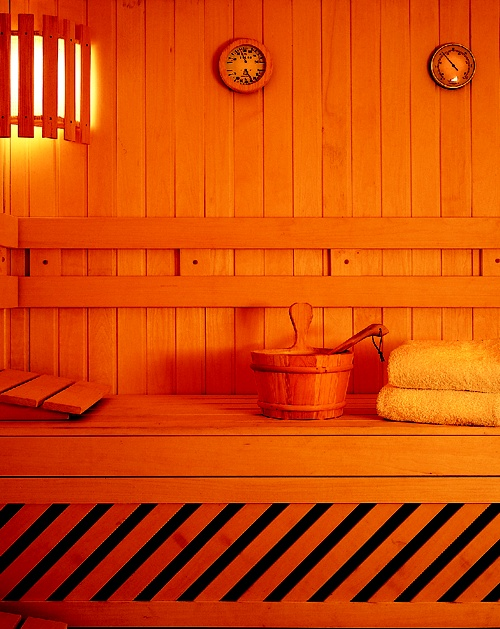 Enjoy the heat of the sauna at our fittness center.