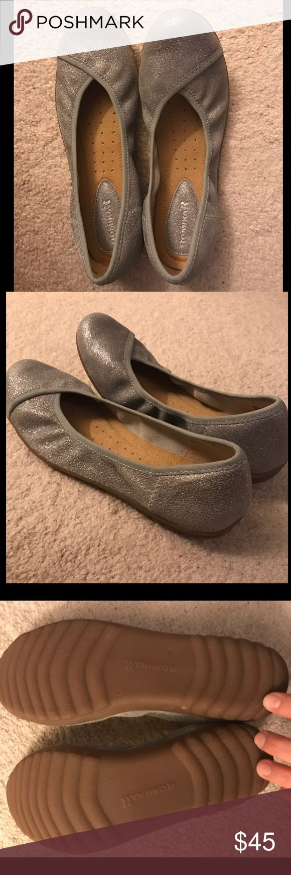 BRAND NEW Romika silver sparkle flats BRAND NEW Romika silver sparkle flats, size 7.5 new, never worn Romika Shoes Flats & Loafers