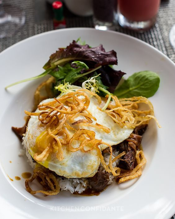 Royal Loco Moco | Kitchen Confidante | Surf Lanai - via @kitchconfidante