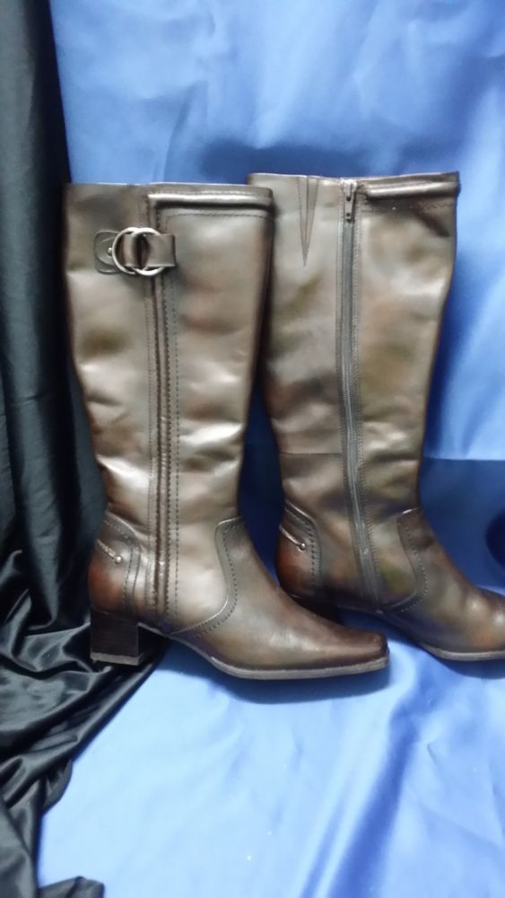 GIOVANNA BROWN KNEE HIGH BOOTS SIZE 6 **CHARITY AUCTION**