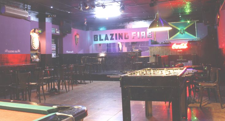 #Alquiler de #Sala para #eventos privados Blazing Fire Hip Hop Reggae Club #Madrid #Mostoles  Sala totalmente equipada, sonido, mobiliario, cámaras, mesa de billar y futbolin.  Precios económicos.