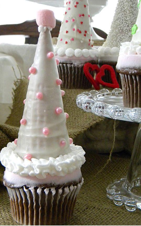 Party Hat Cupcakes using ice cream cones