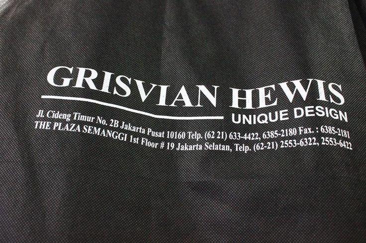 GRISVIAN HEWIS UNIQUE DESIGN Tempat Membuat Jas Pernikahan dengan Design Eksklusif. Wujudkan Jas Impian Anda Bersama Kami. Info Hubungi : Jl. Cideng Timur No.2B-C ( 021- 6338877 ) The Plaza Semanggi Lt.1/19 ( 021- 25536322 ) WA : 083877592499 Pin BB : 7FB5C0CF Email : info.grisvianhewis@gmail.com Instagram : grisvianhewis FB : Grisvian Hewis Twitter : @grisvianhewis Email : info.grisvianhewis@gmail.com http://ift.tt/1UIPF9A #desain #jas #pernikahan #desainer #grisvianhewis #weddingku #unique…