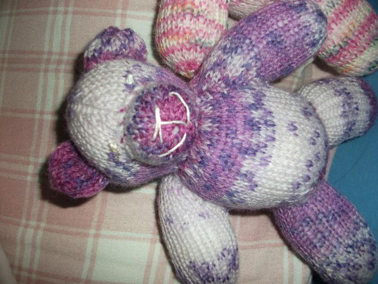 Knitted Teddies for Cancer children - Knitting creation by mobilecrafts | Knit.Community
