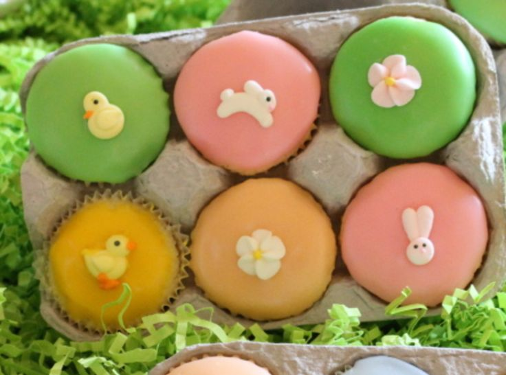 so cute had to share!  Easter cup cakes displayed/placed in egg cartons