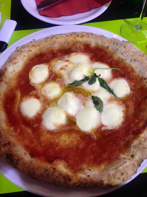 Pizza, Naples - Vidět Neapol, ochutnat tam pizzu a zemřít (a nebo jít na pizzu do San Carlo Dittrichova) - Chile Chipotle
