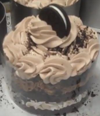White Chocolate Ganache Cake Boss