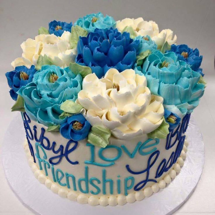 Tart with blue and white flowers